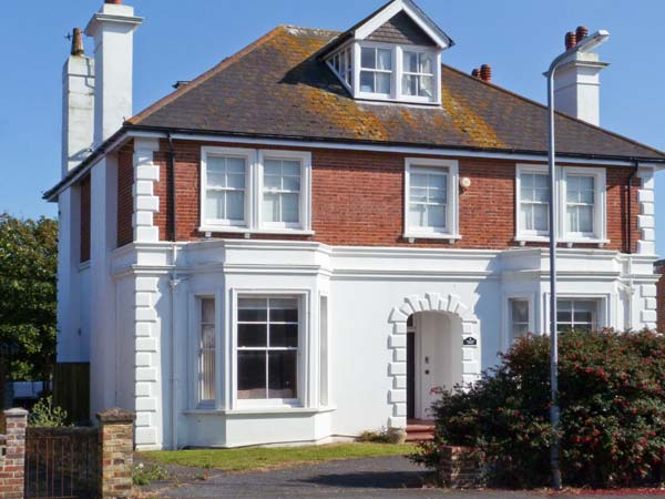5 bedroom Cottage for rent in Seaford