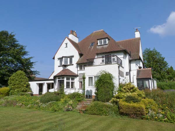 6 bedroom Cottage for rent in Hornsea