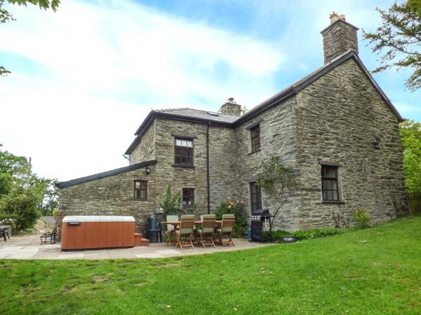 Dolen Farmhouse
