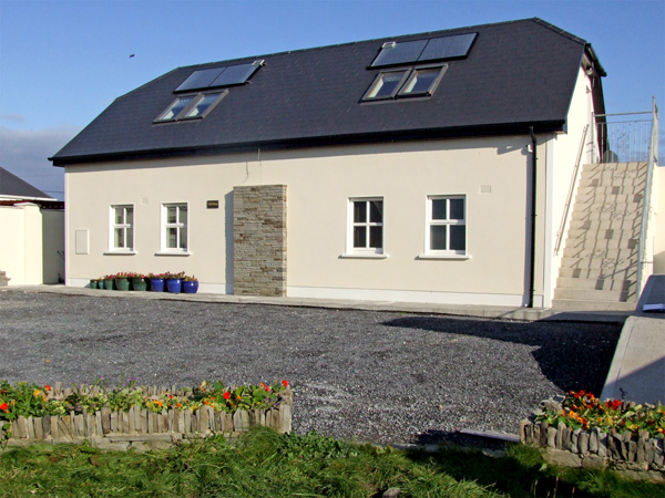 2 bedroom Cottage for rent in Lahinch