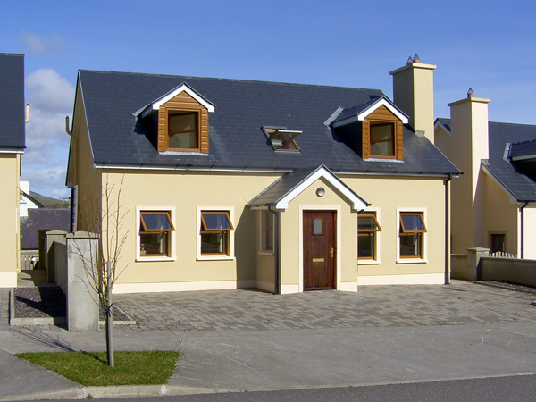 4 bedroom Cottage for rent in Annascaul
