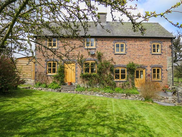 5 bedroom Cottage for rent in Rhayader