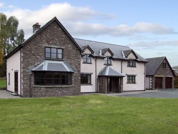 6 bedroom Cottage for rent in Brecon
