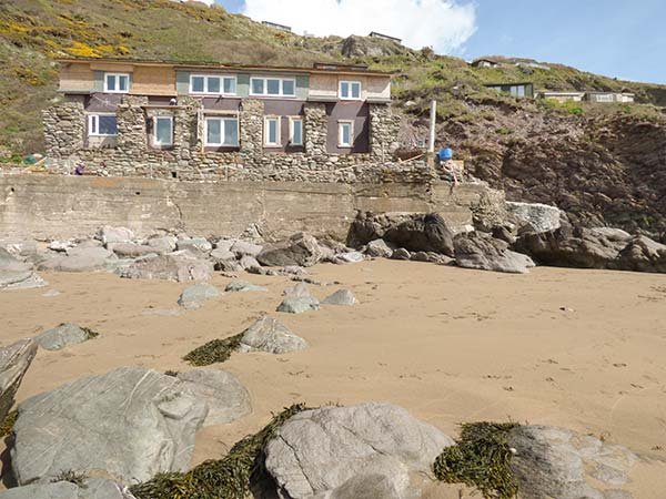 2 bedroom Cottage for rent in Whitsand Bay