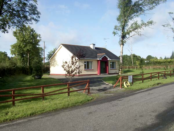 2 bedroom Cottage for rent in Carrick on Shannon