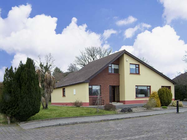 3 bedroom Cottage for rent in Manorhamilton