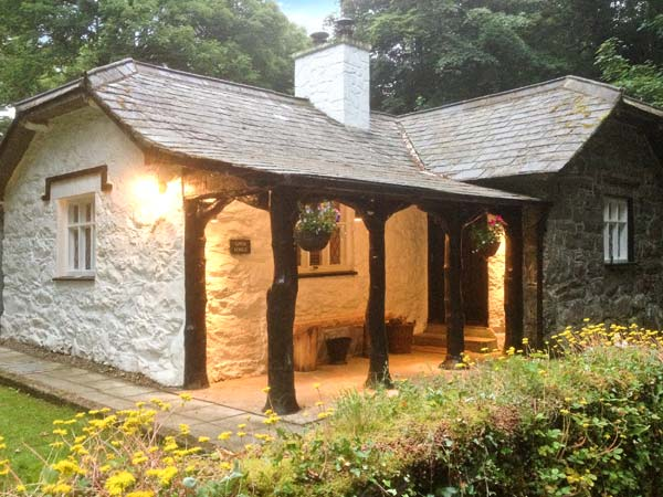 2 bedroom Cottage for rent in Morfa Nefyn