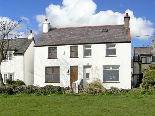 3 bedroom Cottage for rent in Moelfre
