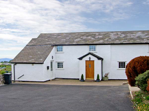 4 bedroom Cottage for rent in Llannefydd