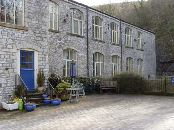 3 bedroom Cottage for rent in Litton Mill