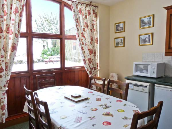 Westfield cottage dog friendly cottage in mickleton for Best restaurants with rooms yorkshire dales
