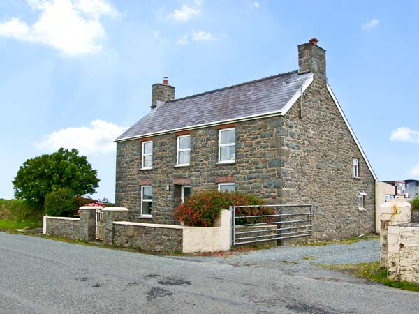 4 bedroom Cottage for rent in St David's