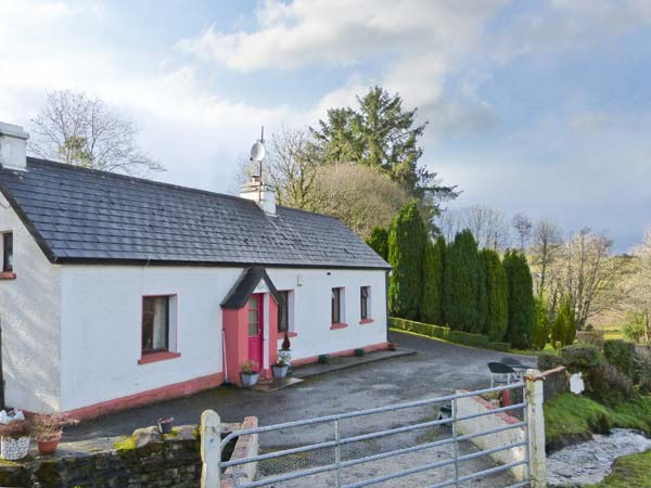 2 bedroom Cottage for rent in Manorhamilton