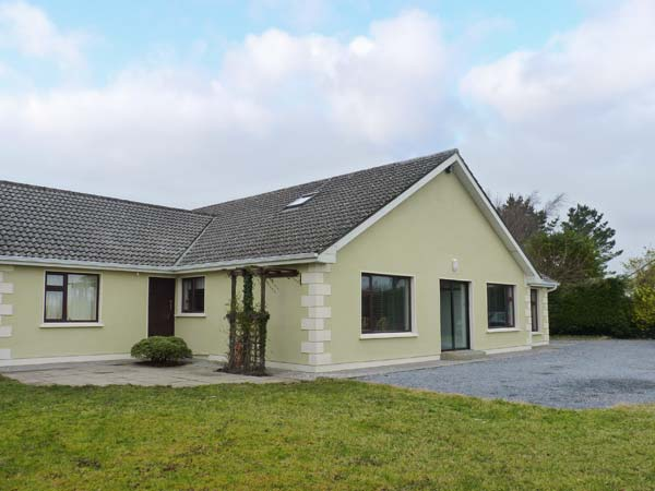 4 bedroom Cottage for rent in Moycullen