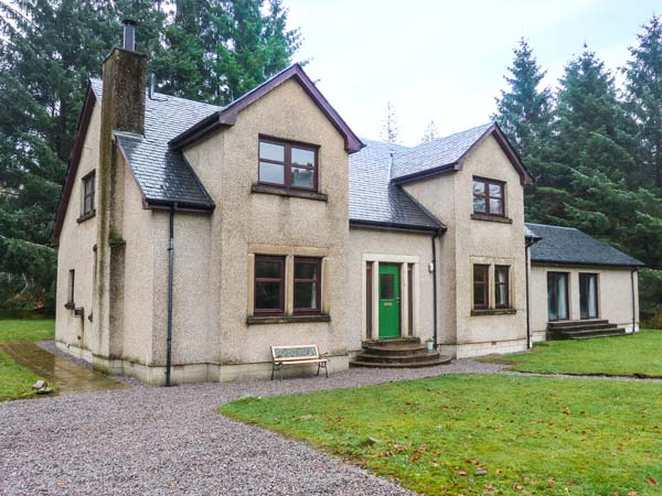 4 bedroom Cottage for rent in Banavie