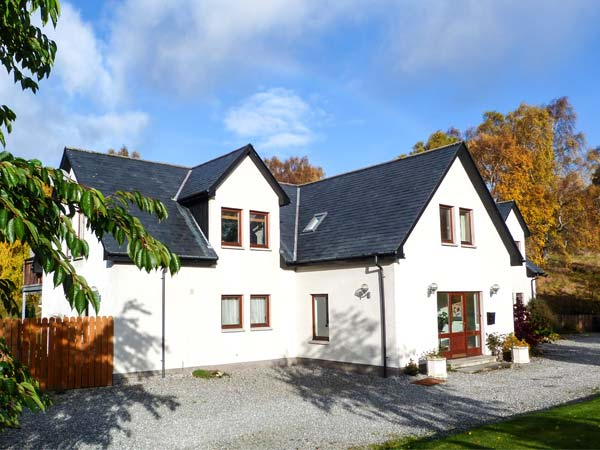 5 bedroom Cottage for rent in Newtonmore
