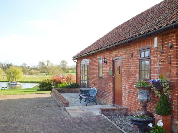holiday let Little Glemham Barn Owl Cottage