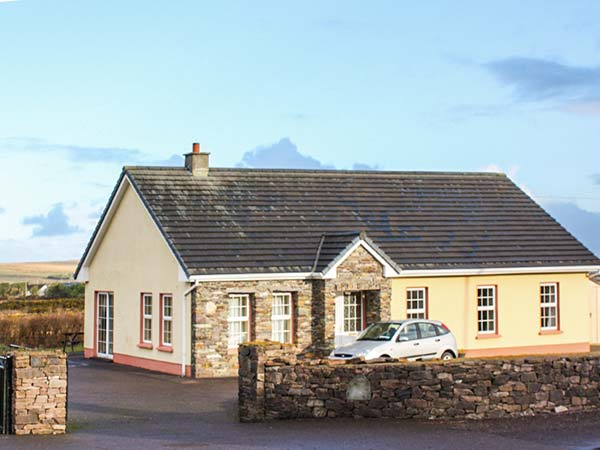6 bedroom Cottage for rent in Ballyferriter