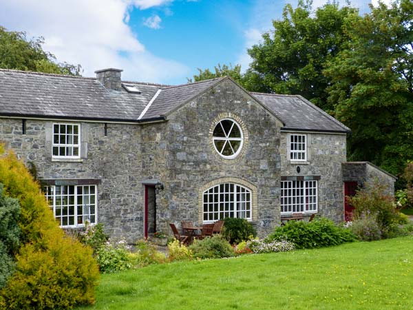 holiday let Lorrha, County Tipperary Coachman's House