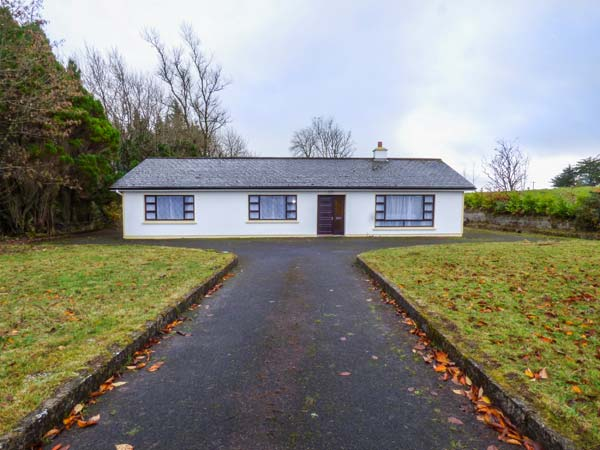 4 bedroom Cottage for rent in Knock
