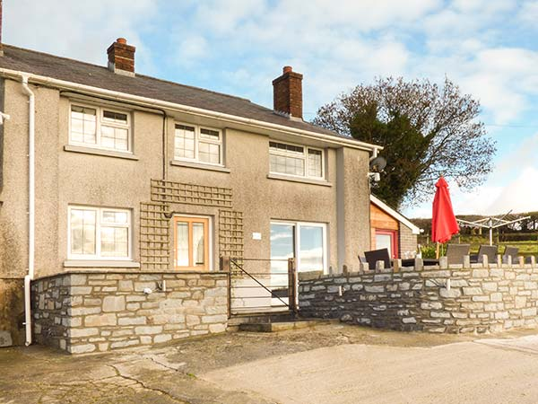 5 bedroom Cottage for rent in Lampeter