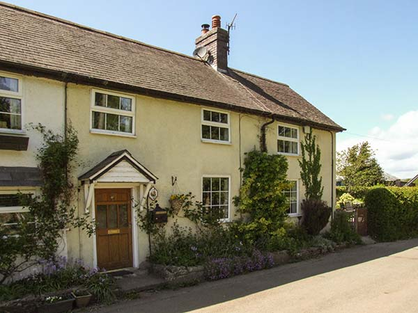 3 bedroom Cottage for rent in Clun