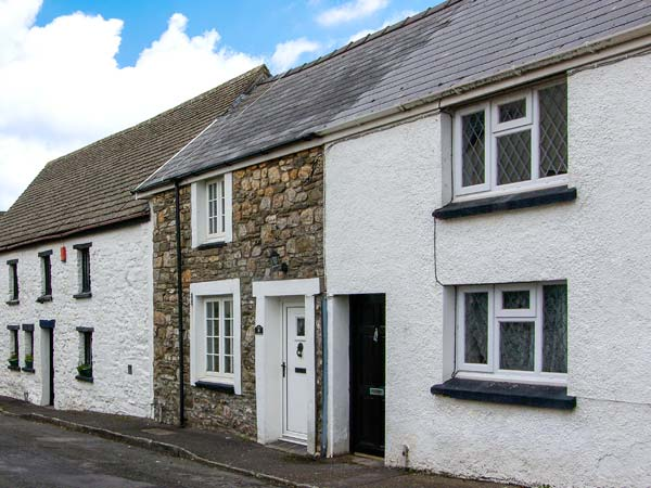 holiday let Kidwelly Castle Cottage