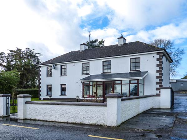 holiday let Whitegate, County Clare Egans'