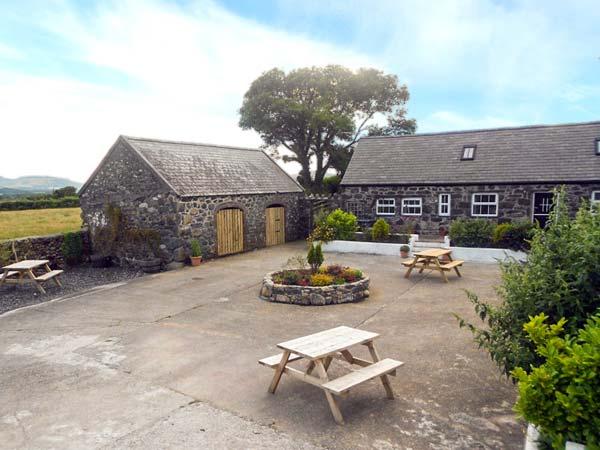 Bwthyn y Dderwen (Oak Cottage)