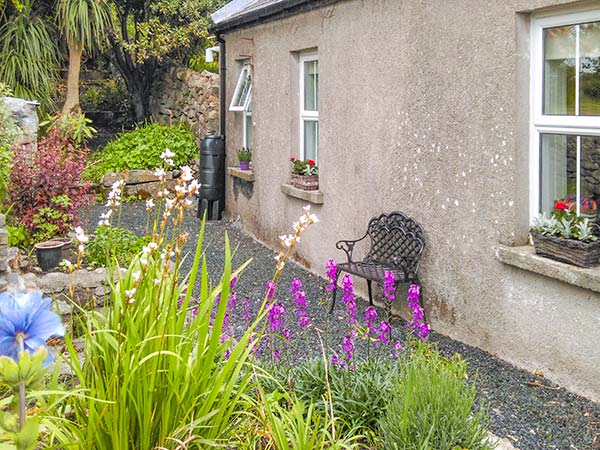 holiday let Roundstone, County Galway Gable Cottage