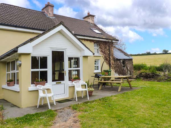 holiday let Ballinascarty, County Cork Knocks Farmhouse