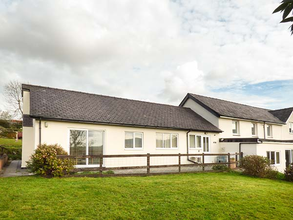 2 bedroom Cottage for rent in Penygroes