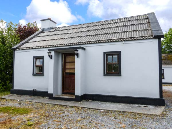 holiday let Kilmurry Mcmahon, County Clare Garden View