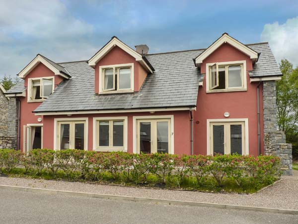 holiday let Kenmare, County Kerry Ring of Kerry Golf Club Cottage