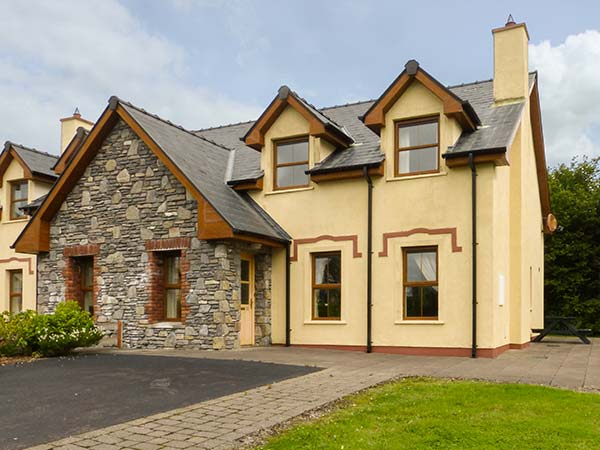 holiday let Kenmare, County Kerry Kenmare Bay Cottage