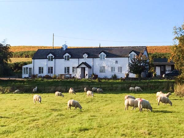 4 bedroom Cottage for rent in Hay-On-Wye