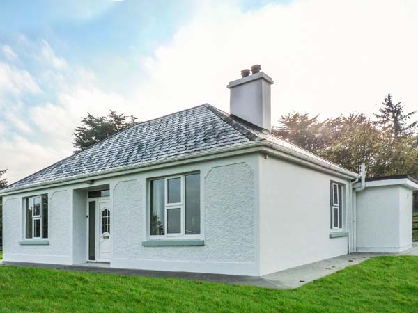 holiday let Currow, County Kerry Farm View Cottage