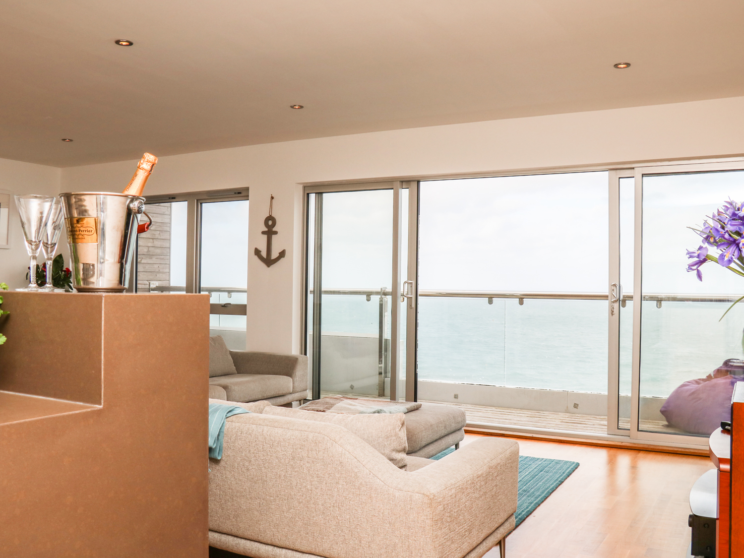 Penthouse Flat, Pentire Point
