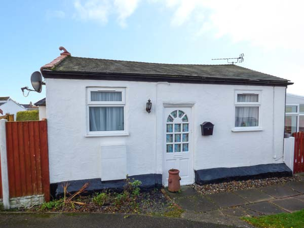 1 bedroom Cottage for rent in Prestatyn