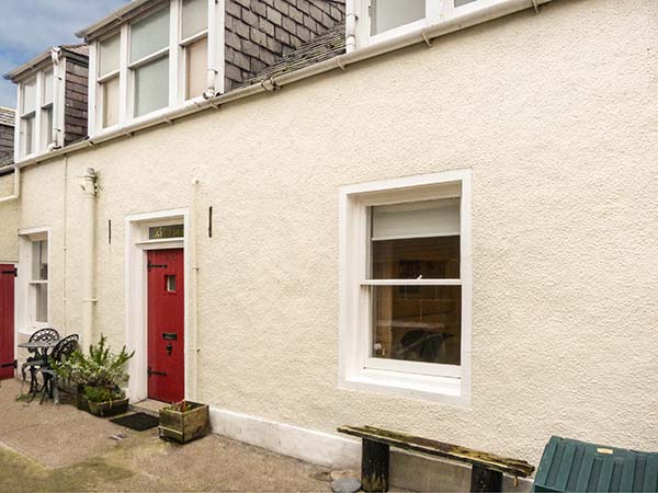 3 bedroom Cottage for rent in Gardenstown