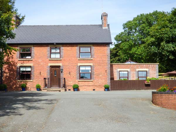 6 bedroom Cottage for rent in Welshpool