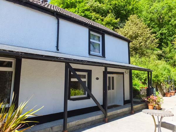 2 bedroom Cottage for rent in Llanwinio