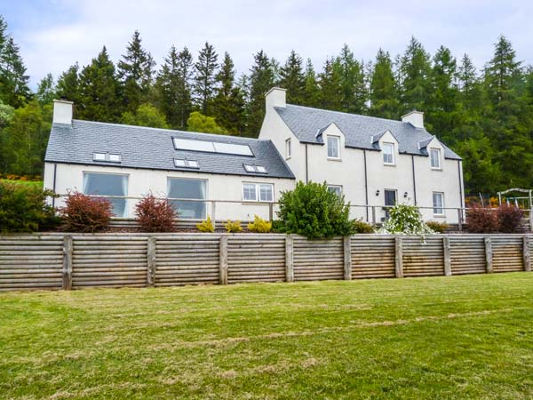 5 bedroom Cottage for rent in Balintore