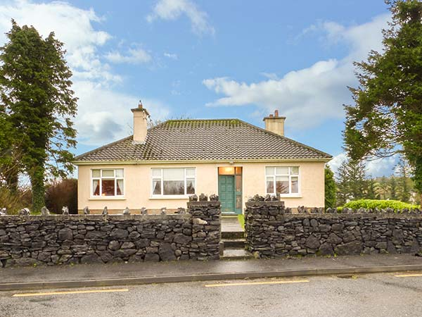holiday let Ballyvary, County Mayo Laurel Lodge