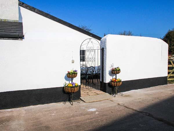 1 bedroom Cottage for rent in Tiverton