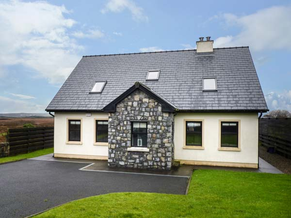 5 bedroom Cottage for rent in Lisdoonvarna