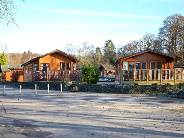 22 thirlmere white cross bay cumbria and the lake district self catering holiday home for Lake district cottages with swimming pool