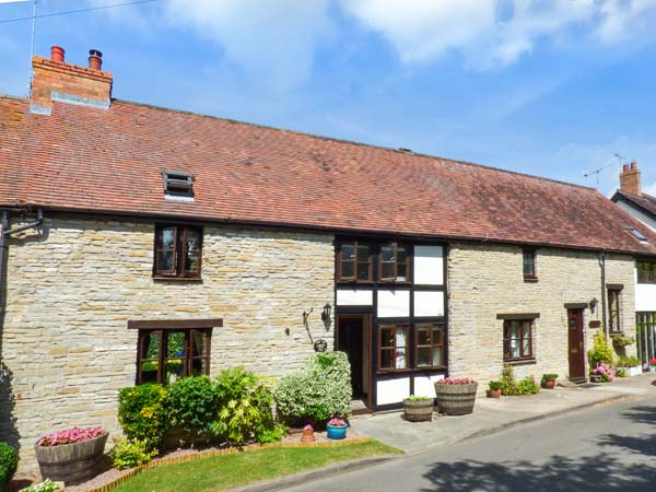 holiday let Cleeve Prior West End Barn