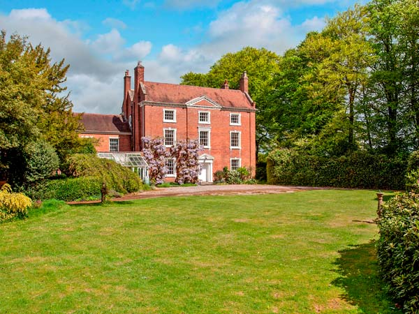 holiday let Blakedown Ismere Hall