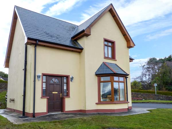 3 bedroom Cottage for rent in Castletownbere
